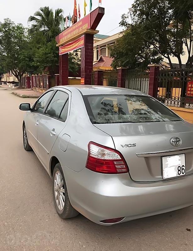 Bán Toyota Vios sản xuất 2012, màu bạc, xe gia đình -4