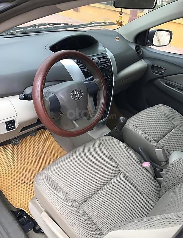 Bán Toyota Vios sản xuất 2012, màu bạc, xe gia đình -3