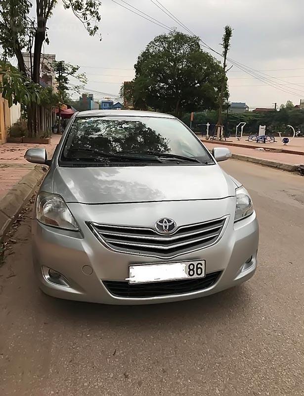 Bán Toyota Vios sản xuất 2012, màu bạc, xe gia đình -2