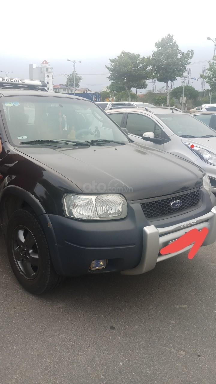 Bán ô tô Ford Escape sản xuất năm 2004, màu đen, tiết kiệm nhiên liệu-0