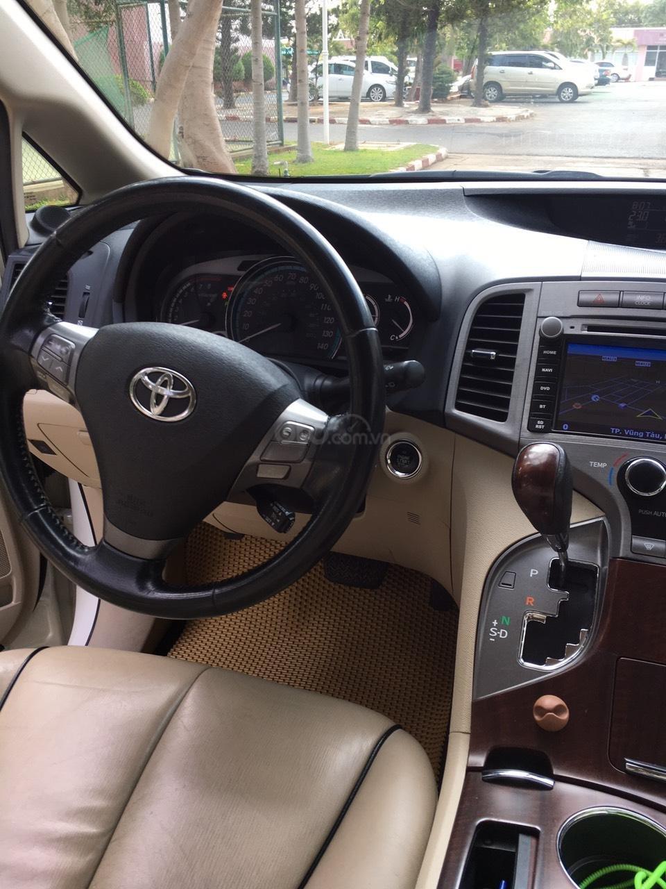 Cần bán 01 xe Toyota Venza, xe nhà it đi, nội thất ok-3