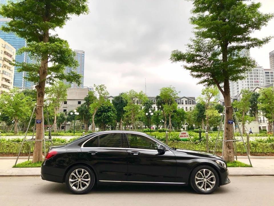 Bán Mercedes C200 màu đen sản xuất 2015 đăng ký biển Hà Nội-3