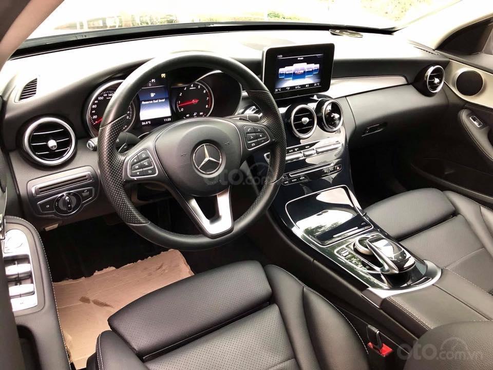 Bán Mercedes C200 màu đen sản xuất 2015 đăng ký biển Hà Nội-8