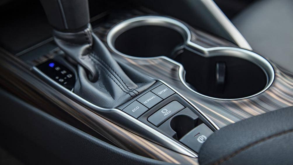 Ảnh thực tế Toyota Camry 2019 trước ngày ra mắt Việt Nam a10
