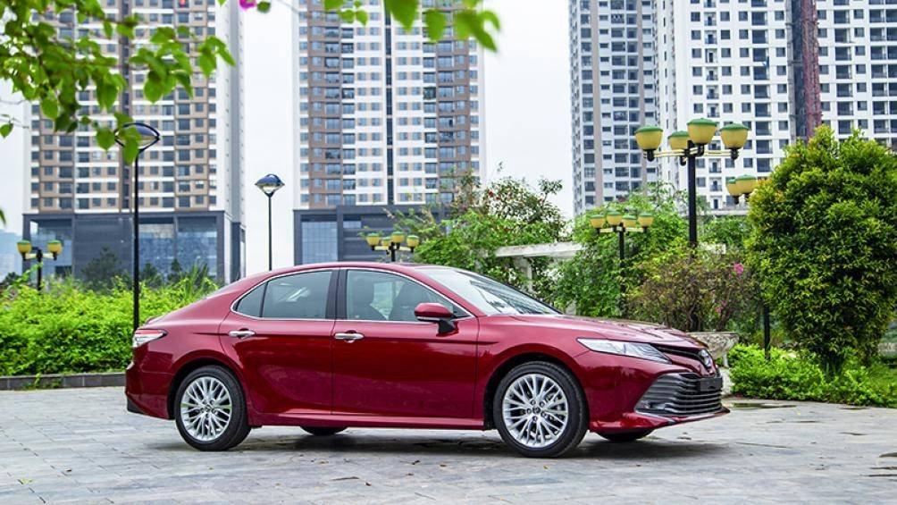 Ảnh thực tế Toyota Camry 2019 trước ngày ra mắt Việt Nam a4