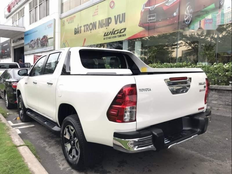 Bán Toyota Hilux sản xuất 2019, màu trắng, nhập khẩu nguyên chiếc (3)