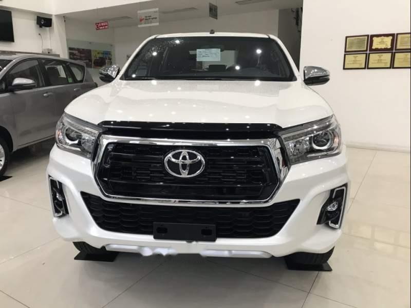 Bán Toyota Hilux sản xuất 2019, màu trắng, nhập khẩu nguyên chiếc (2)