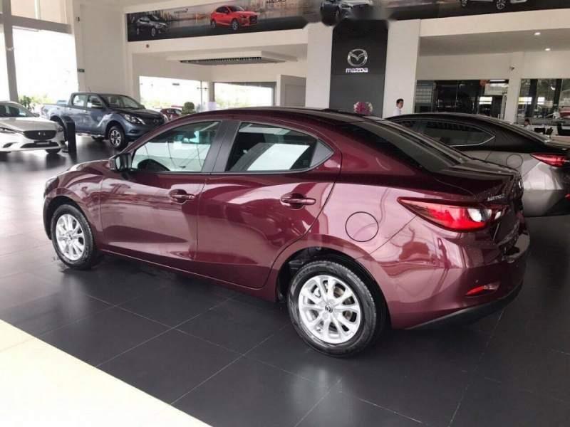 Cần bán Mazda 2 năm 2019, màu đỏ, xe nhập, giá tốt (1)