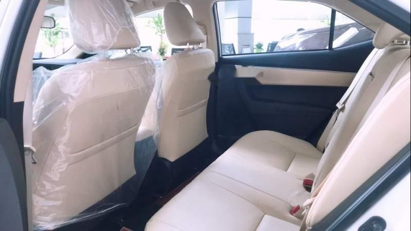 Bán Toyota Corolla altis 1.8 2019, màu trắng, giá tốt-4