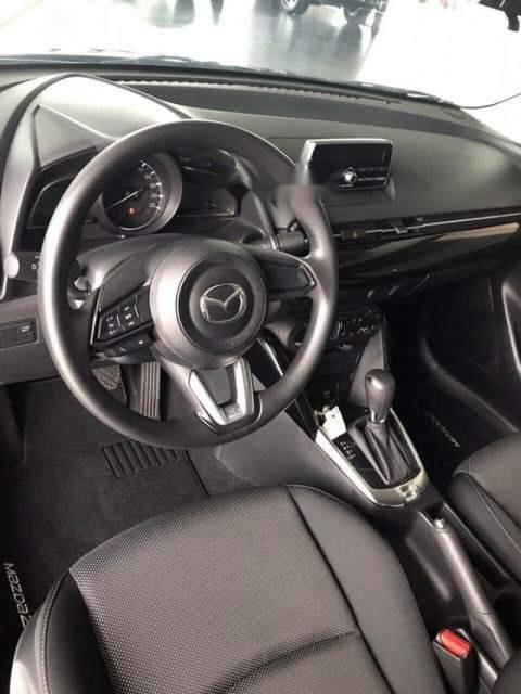Cần bán Mazda 2 năm 2019, màu đỏ, xe nhập, giá tốt (4)