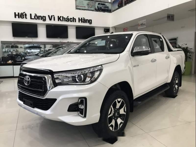 Bán Toyota Hilux sản xuất 2019, màu trắng, nhập khẩu nguyên chiếc (1)
