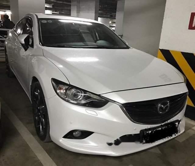 Cần bán gấp Mazda 6 sản xuất năm 2018, màu trắng-1
