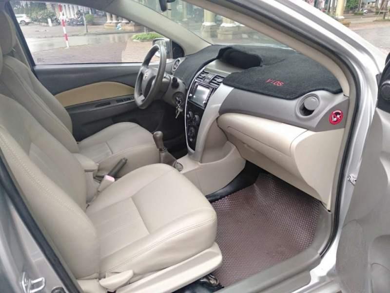 Bán Toyota Vios E sản xuất năm 2011, màu bạc như mới, giá tốt-3