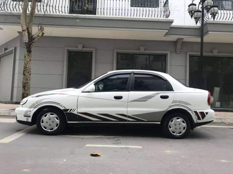 Cần bán xe Daewoo Lanos đời 2001, màu trắng-0