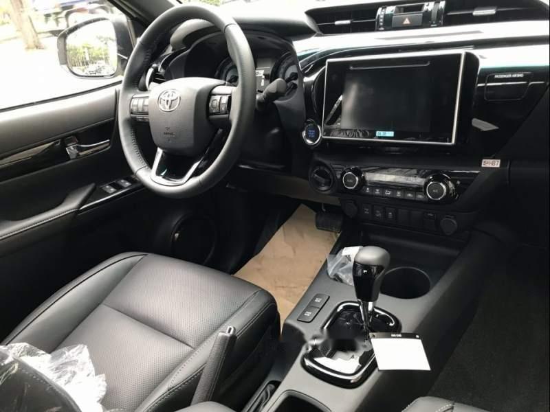 Bán Toyota Hilux sản xuất 2019, màu trắng, nhập khẩu nguyên chiếc (5)
