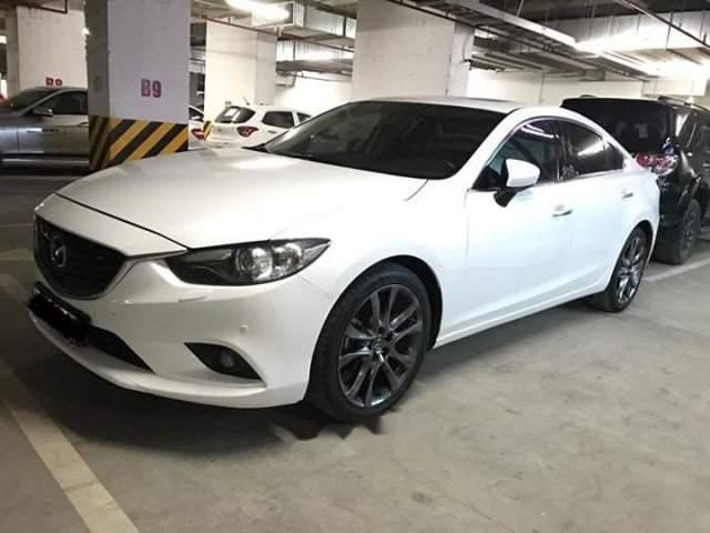 Cần bán gấp Mazda 6 sản xuất năm 2018, màu trắng-2