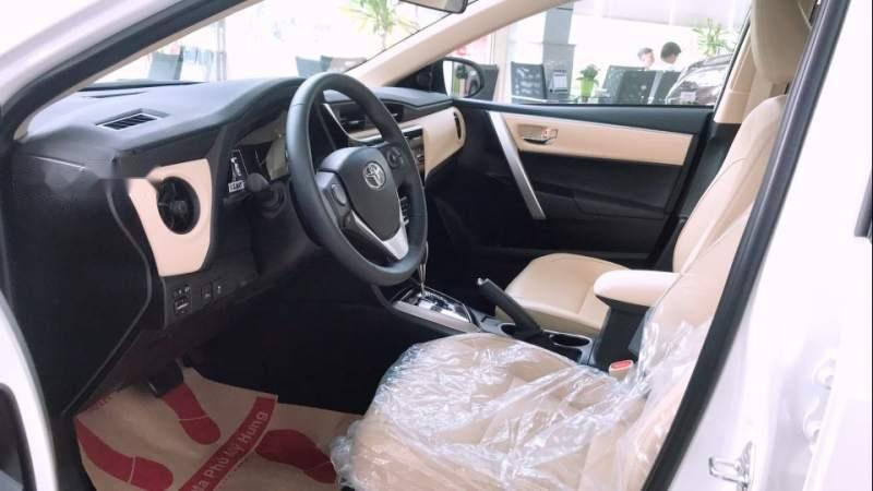 Bán Toyota Corolla altis 1.8 2019, màu trắng, giá tốt-3