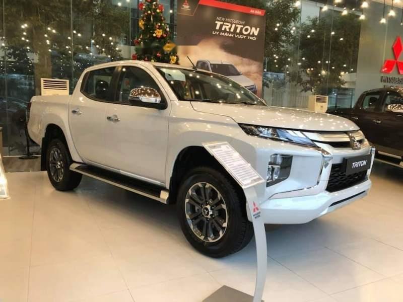 Bán Mitsubishi Triton đời 2019, màu trắng, xe nhập-1