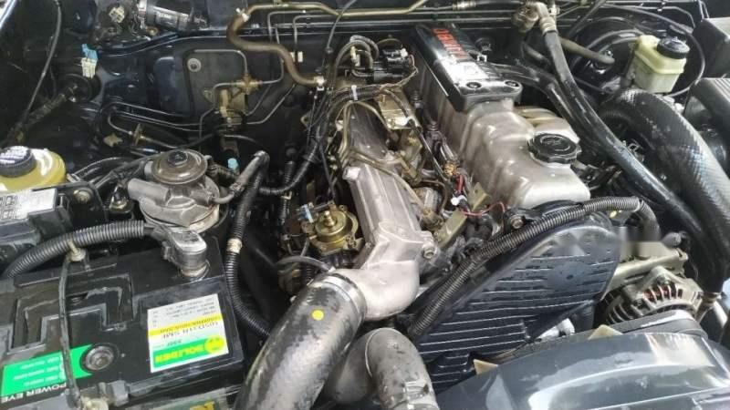 Cần bán xe Ford Everest năm 2006, màu đen, nhập khẩu-2