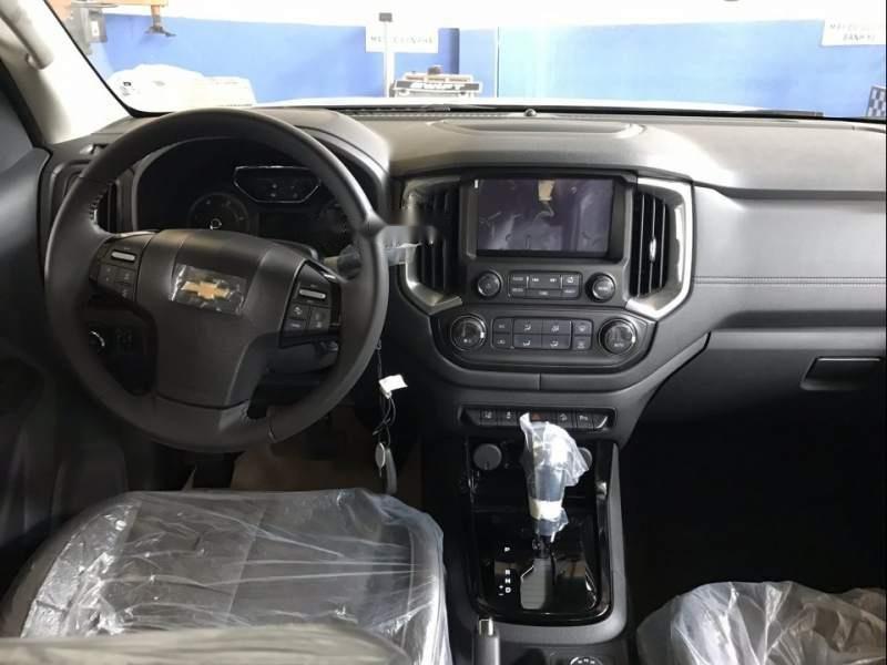 Cần bán xe Chevrolet Colorado đời 2018, màu đen, xe nhập, giá 605tr (2)