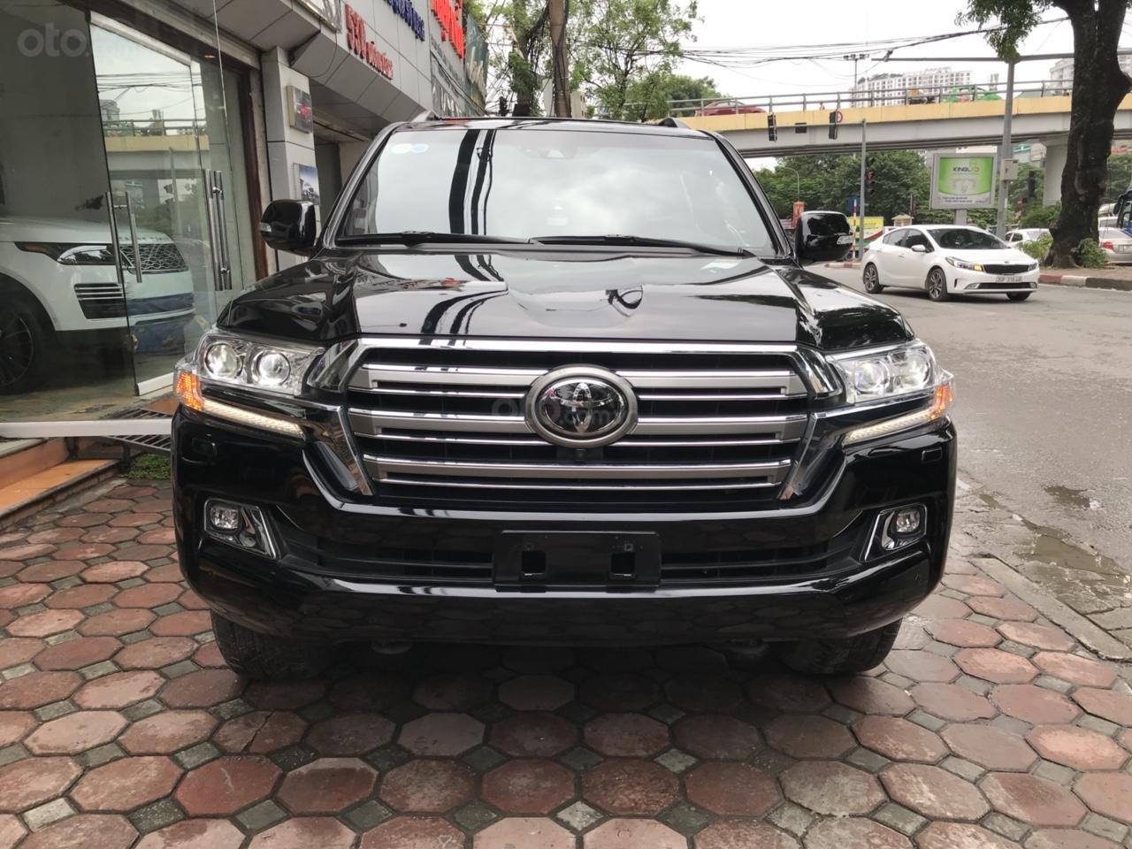 MT Auto bán Toyota Land Cruiser V8 5.7 SX 2016, xe mới 100% màu đen, xe nhập Mỹ nguyên chiếc - LH em Hương 0945392468-0