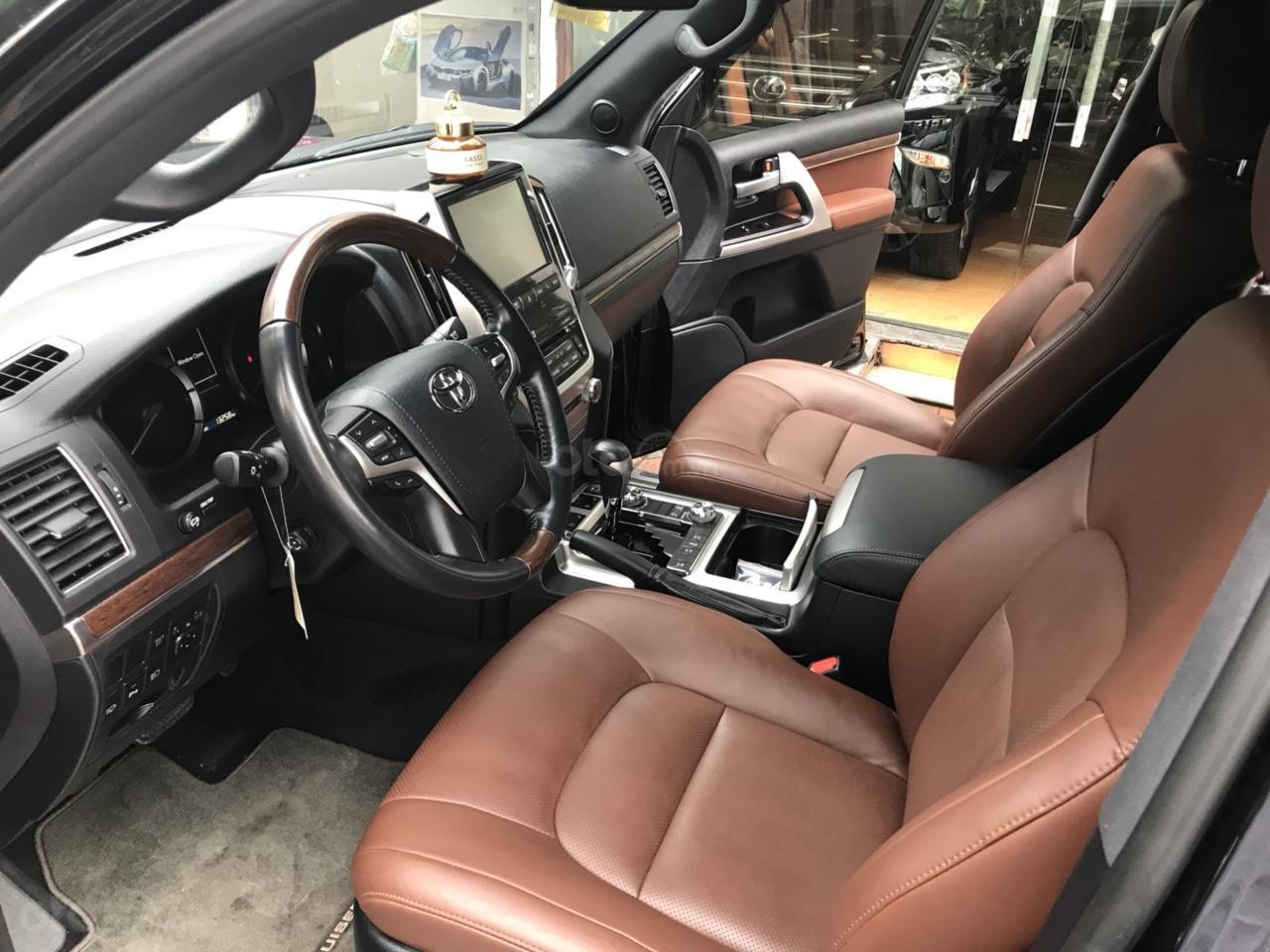 MT Auto bán Toyota Land Cruiser V8 5.7 SX 2016, xe mới 100% màu đen, xe nhập Mỹ nguyên chiếc - LH em Hương 0945392468-6