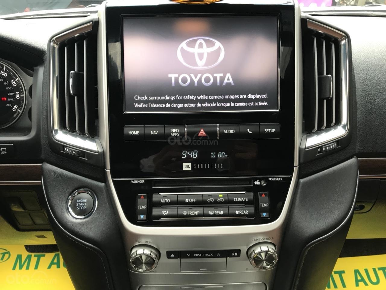MT Auto bán Toyota Land Cruiser V8 5.7 SX 2016, xe mới 100% màu đen, xe nhập Mỹ nguyên chiếc - LH em Hương 0945392468-9