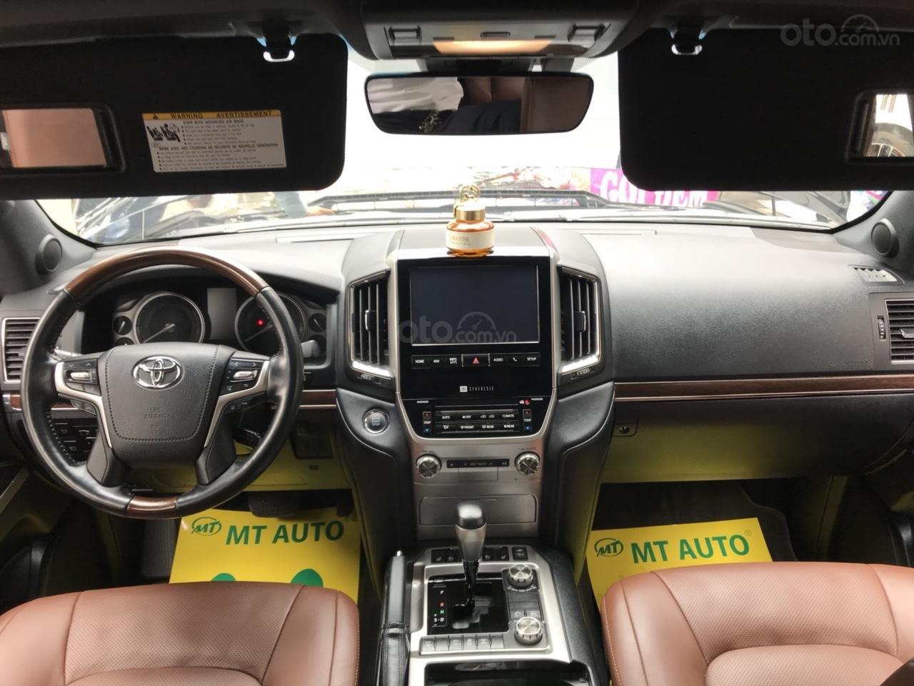 MT Auto bán Toyota Land Cruiser V8 5.7 SX 2016, xe mới 100% màu đen, xe nhập Mỹ nguyên chiếc - LH em Hương 0945392468-13