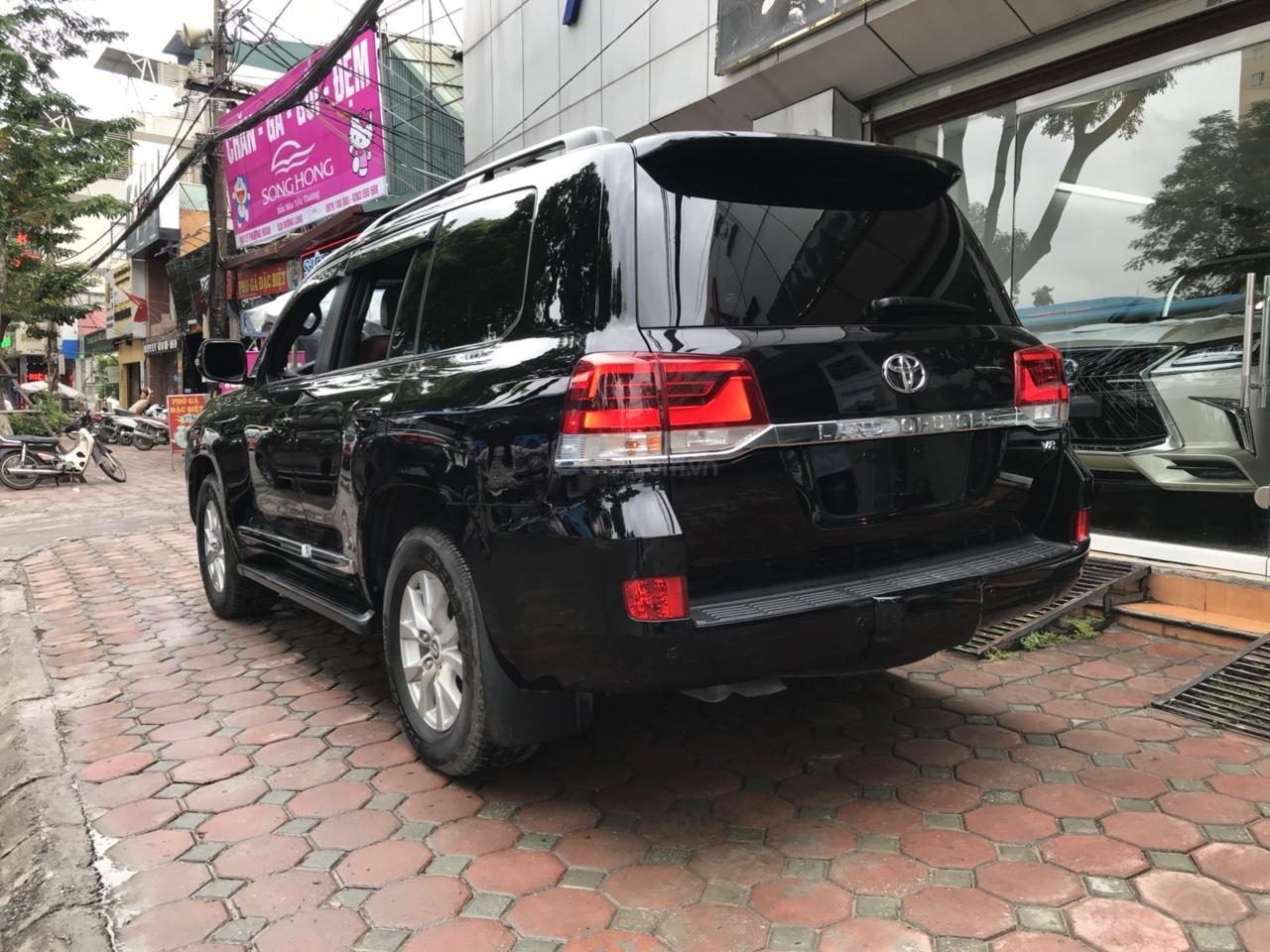 MT Auto bán Toyota Land Cruiser V8 5.7 SX 2016, xe mới 100% màu đen, xe nhập Mỹ nguyên chiếc - LH em Hương 0945392468-5