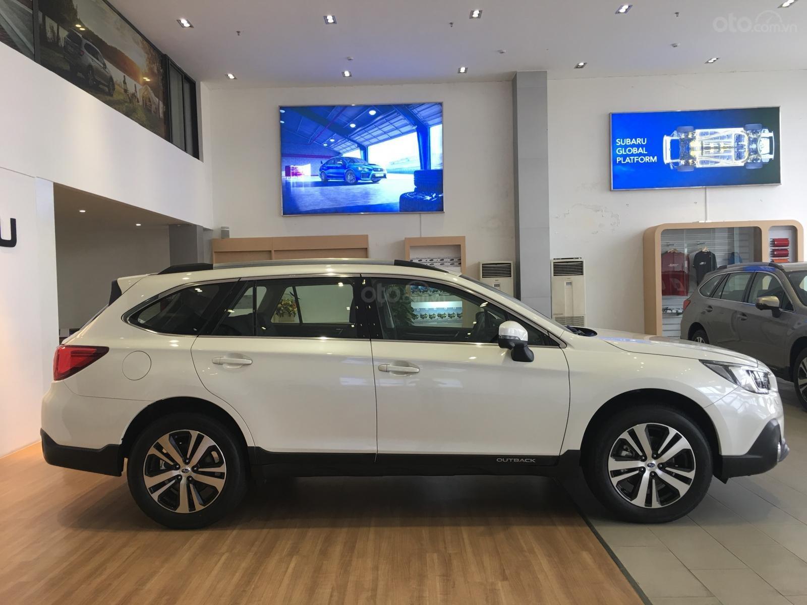 Bán Subaru Outback 2.5 EyeSight tại miền Trung, màu trắng, nhập khẩu nguyên chiếc từ Nhật Bản (1)