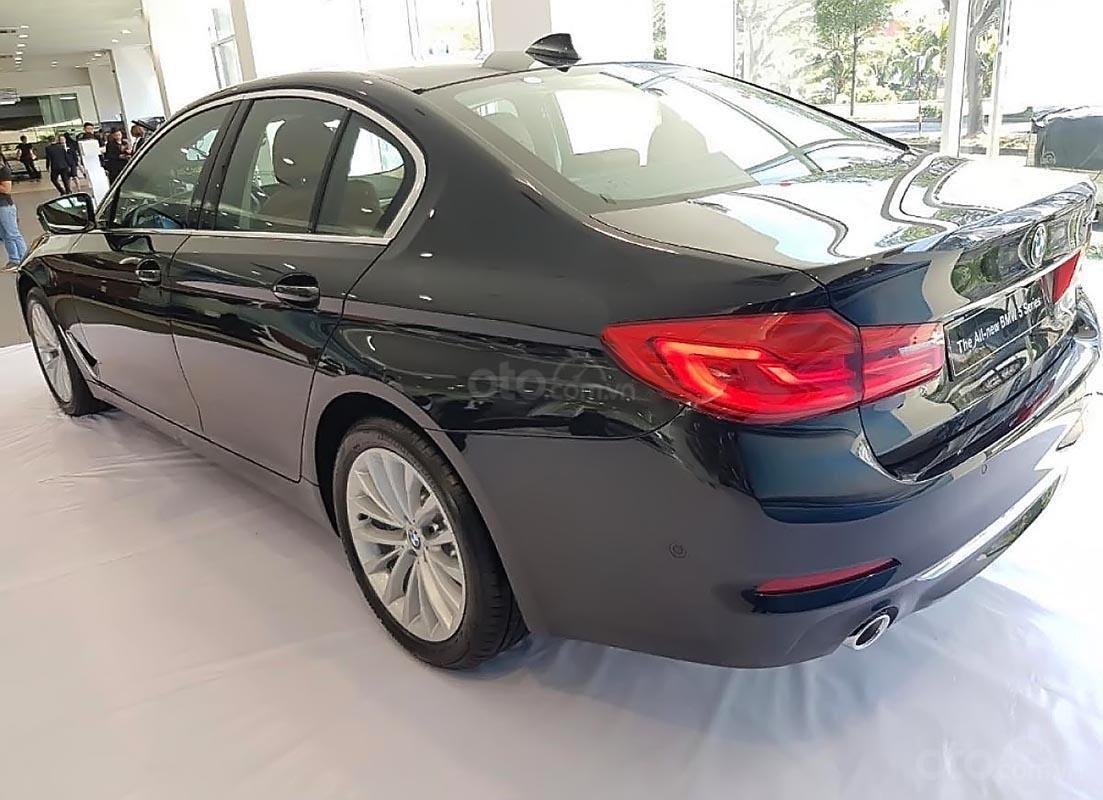 Bán BMW 5 Series 530i đời 2018, màu đen, nhập khẩu nguyên chiếc-2