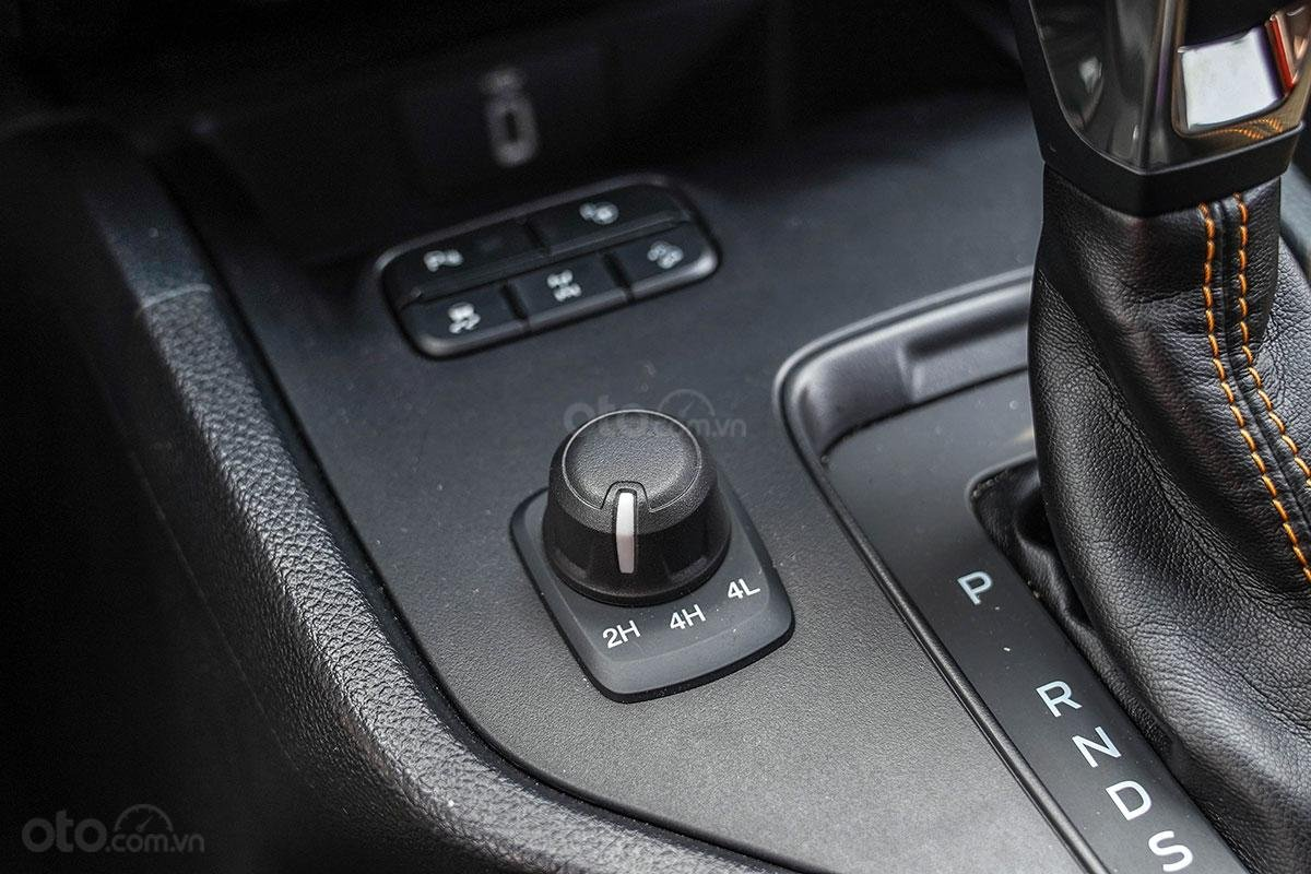 Vận hành Ford Ranger Wildtrak 4x4 2019: Hệ thống dẫn động 4 bánh 1.