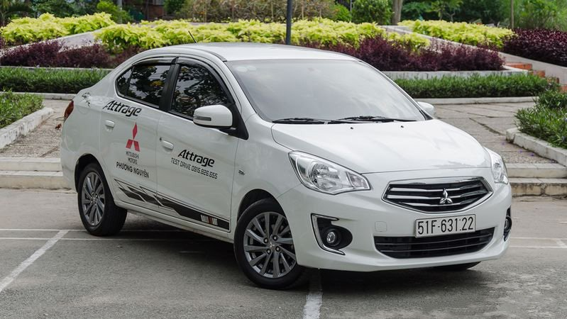 Giá bán xe Mitsubishi Attrage 2018 hiện tại là bao nhiêu?
