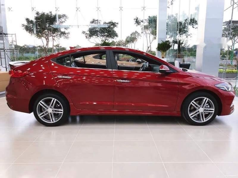 Cần bán Hyundai Elantra 2019, màu đỏ giá cạnh tranh-1