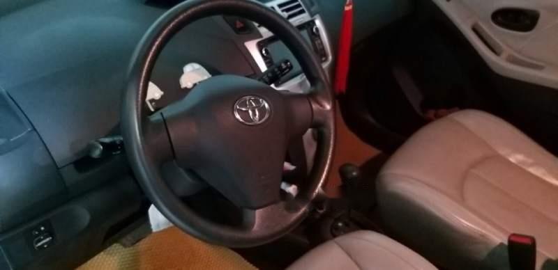 Cần bán Toyota Yaris đời 2008, màu bạc, xe nhập-5