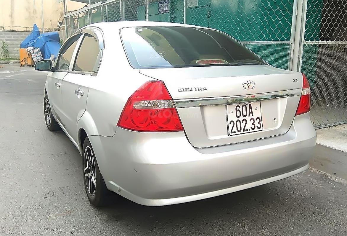 Gia đình cần bán xe Daewoo Gentra đời 2010, xe đẹp, nội thất sạch sẽ-1
