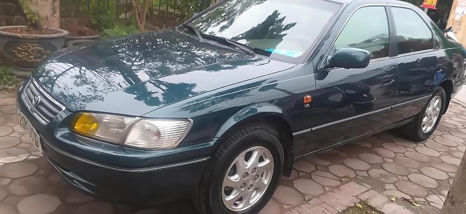 Cần bán lại xe Toyota Camry Grande 3.0 MT đời 2001, màu xanh lam, xe đẹp-0