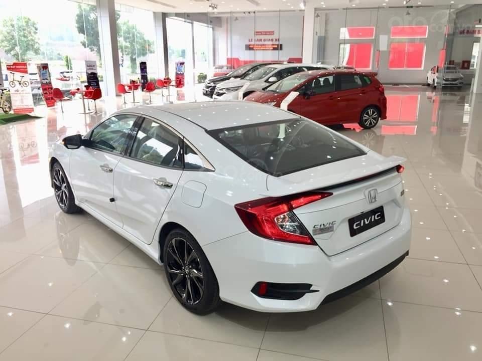 Cần bán Honda Civic RS 2019, xe nhập Thái, giao ngay kèm khuyến mại cực kỳ ưu đãi (2)