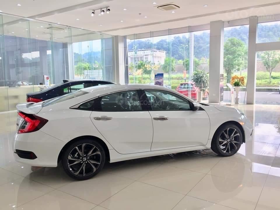 Cần bán Honda Civic RS 2019, xe nhập Thái, giao ngay kèm khuyến mại cực kỳ ưu đãi (1)