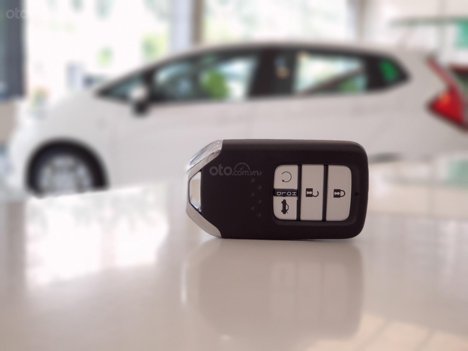 Cần bán Honda Civic RS 2019, xe nhập Thái, giao ngay kèm khuyến mại cực kỳ ưu đãi (8)