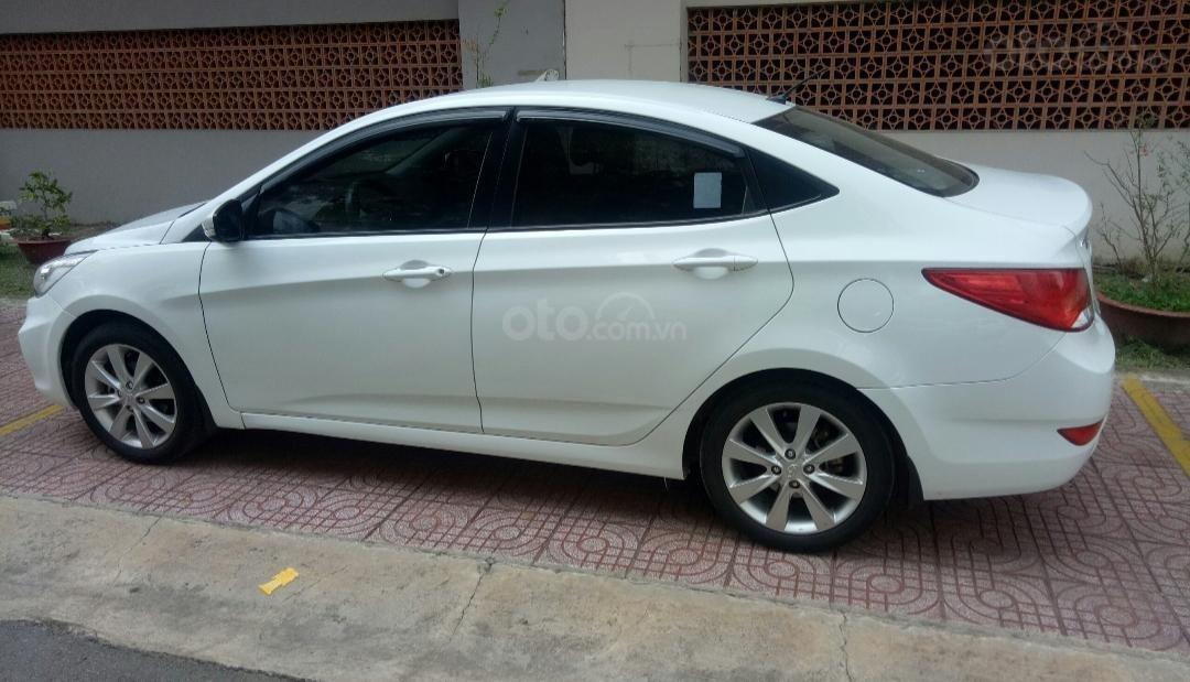 Bán Hyundai Accent 1.4 MT số sàn, đăng ký 2015, màu trắng xe nhập, 410triệu (2)