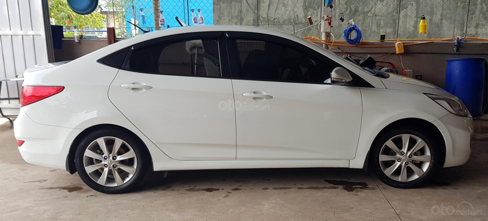 Bán Hyundai Accent 1.4 MT số sàn, đăng ký 2015, màu trắng xe nhập, 410triệu (3)