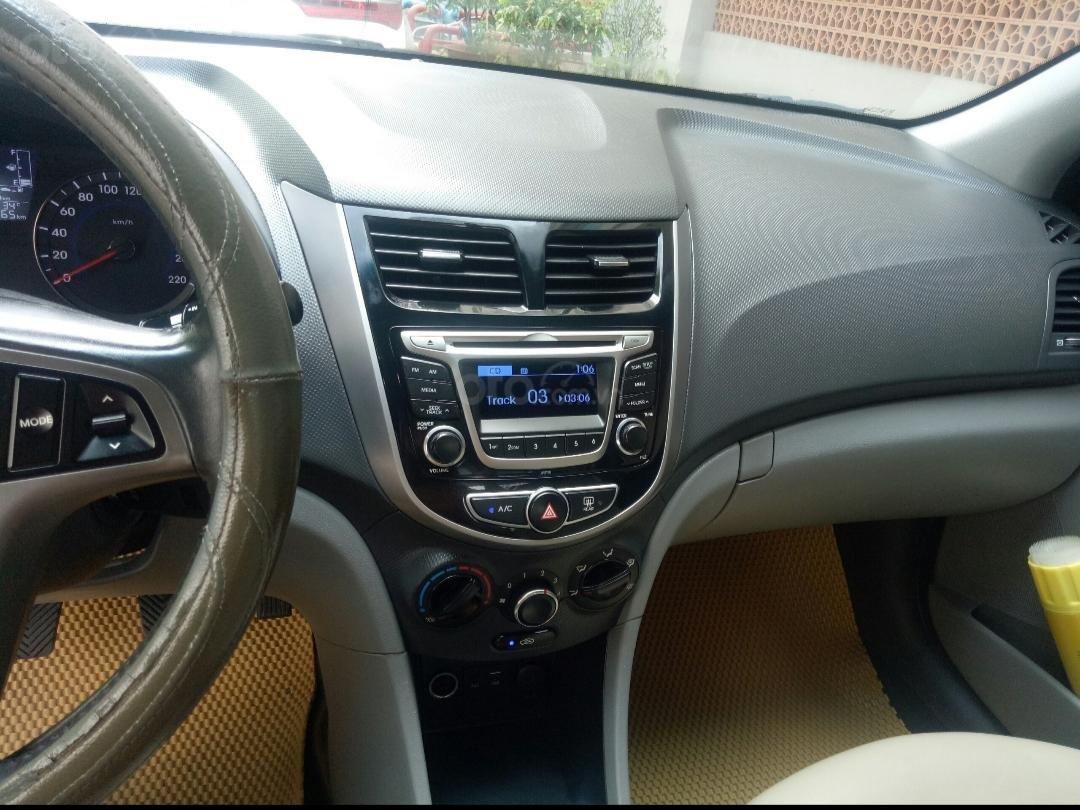 Bán Hyundai Accent 1.4 MT số sàn, đăng ký 2015, màu trắng xe nhập, 410triệu (4)