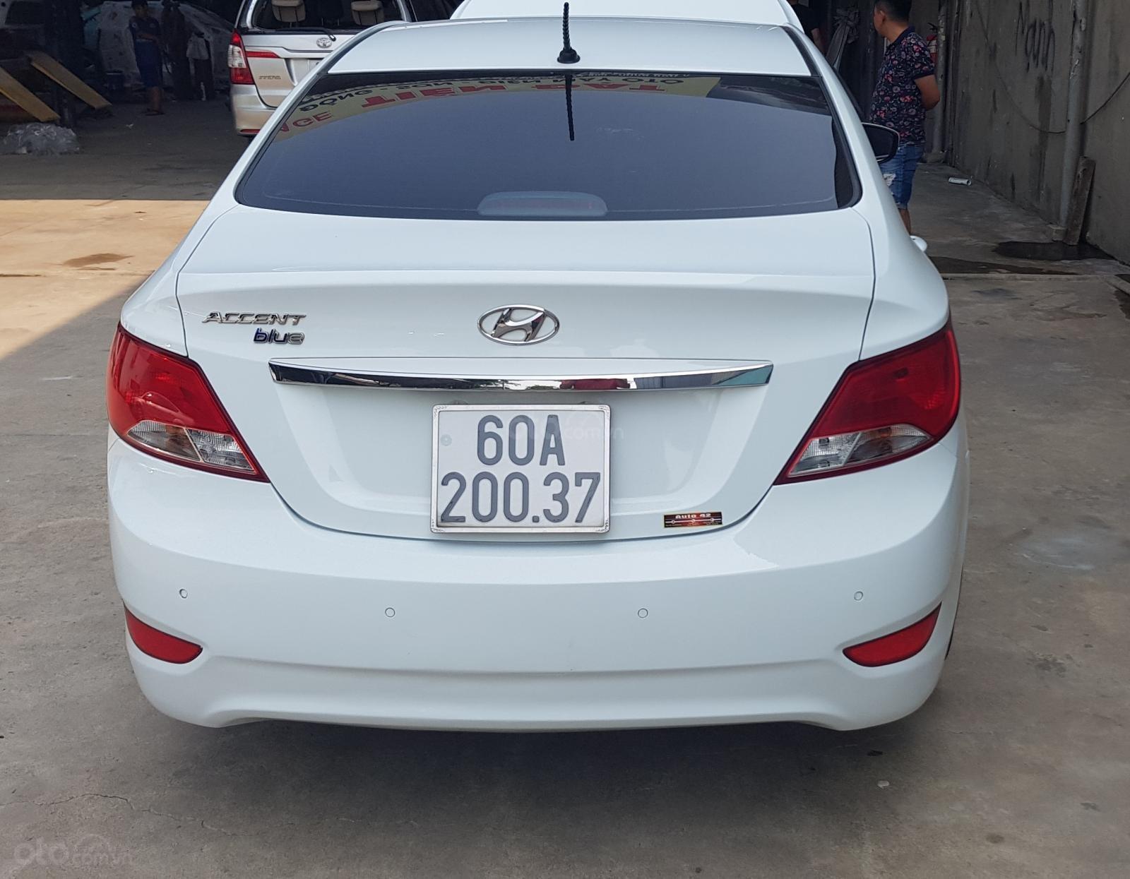 Bán Hyundai Accent 1.4 MT số sàn, đăng ký 2015, màu trắng xe nhập, 410triệu (6)