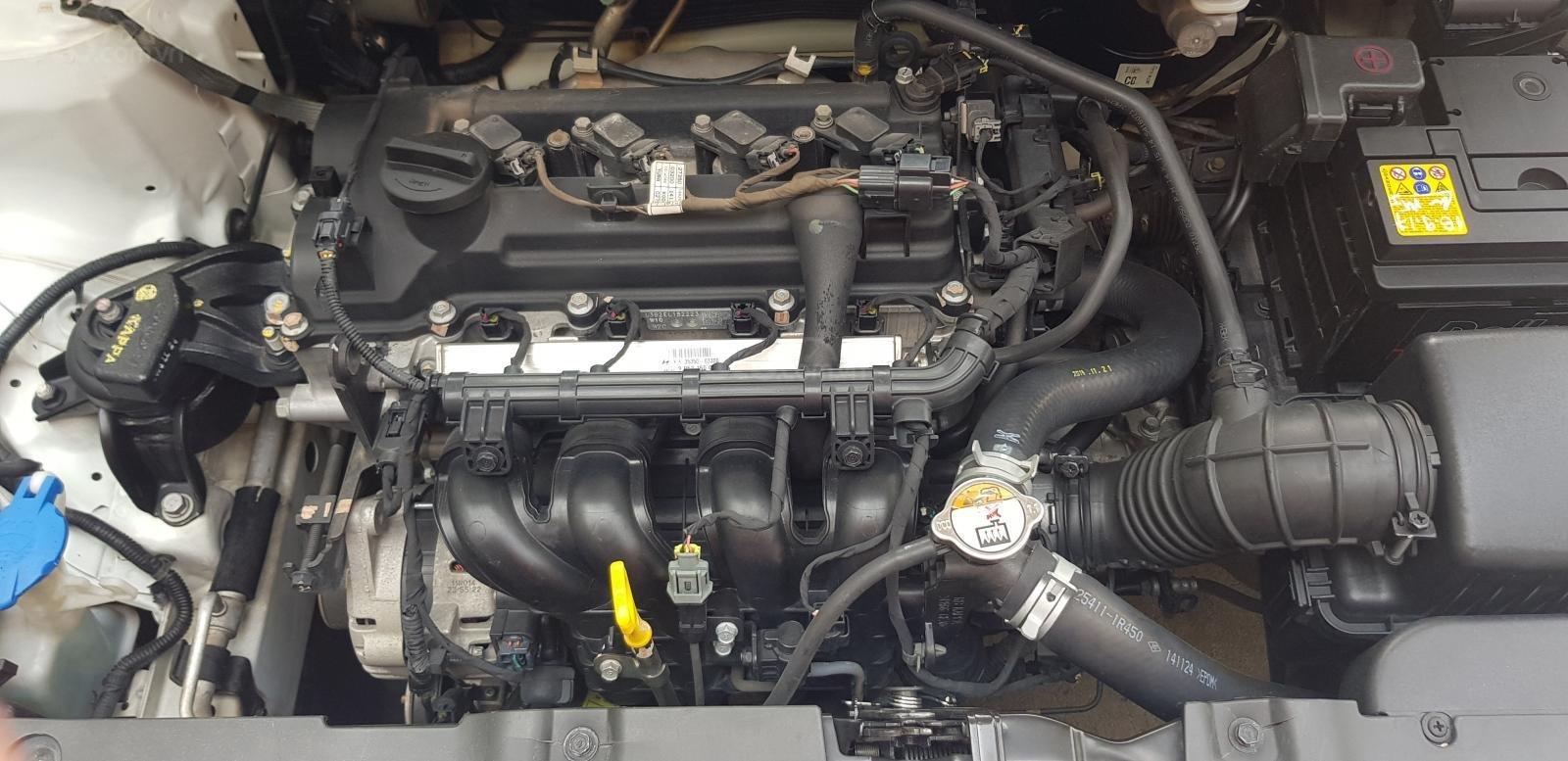Bán Hyundai Accent 1.4 MT số sàn, đăng ký 2015, màu trắng xe nhập, 410triệu (7)