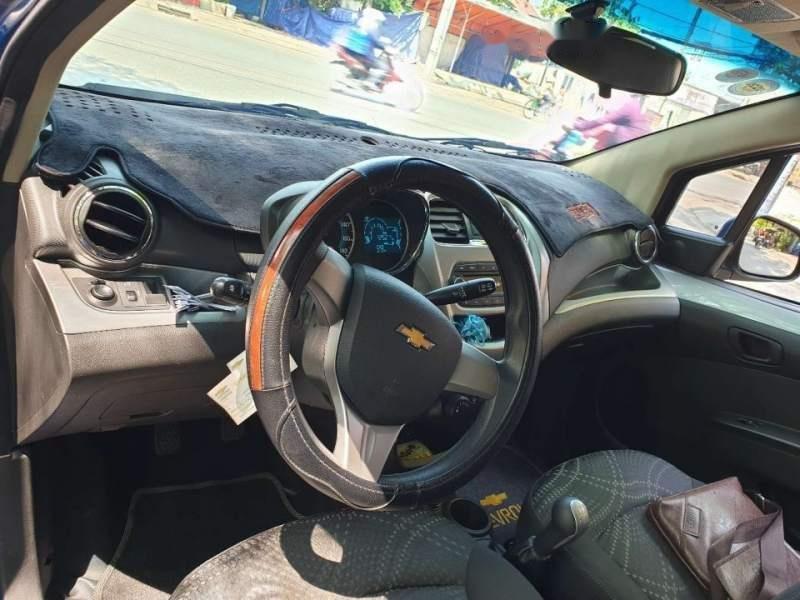 Cần bán lại xe Chevrolet Spark đời 2017, màu xanh lam-5