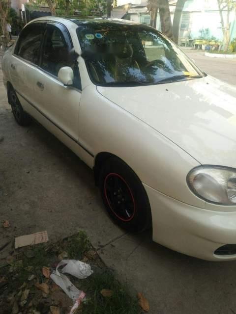 Cần bán gấp Daewoo Lanos sản xuất 2005, màu trắng-1