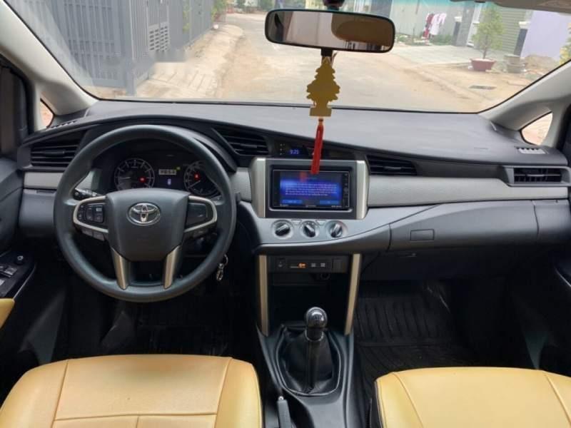 Bán Toyota Innova sản xuất năm 2016, giá chỉ 649 triệu (5)
