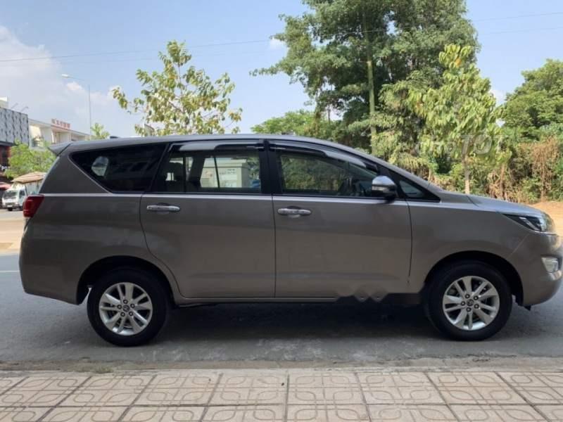 Bán Toyota Innova sản xuất năm 2016, giá chỉ 649 triệu (3)