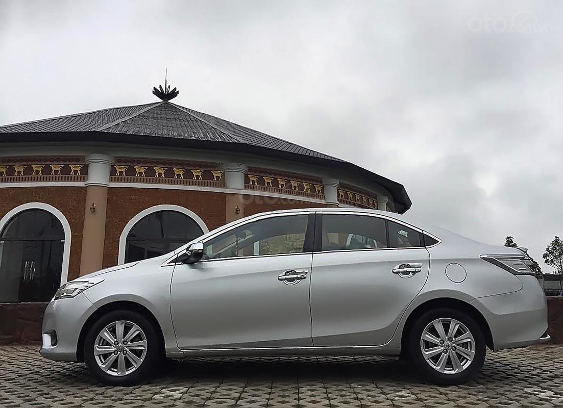 Bán Toyota Vios E sản xuất năm 2015, màu bạc chính chủ-1